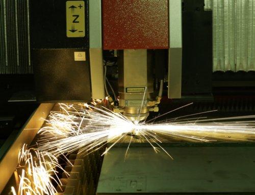 Faserlaserschneidanlage AMADA VENTIS-3015AJ:  Extrem schnell,  hervorragende Schnittgüte