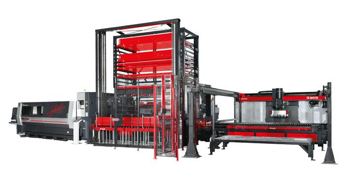 Voll automatisiert: die AMADA ENSIS mit dem Be- und Entladeturm ASF-EU300 und der Teilesortierung TK-3015EU.